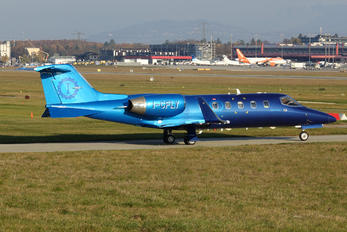 I-CFLY - Private Learjet 31