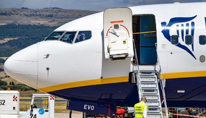 EI-EVO - Ryanair Boeing 737-800