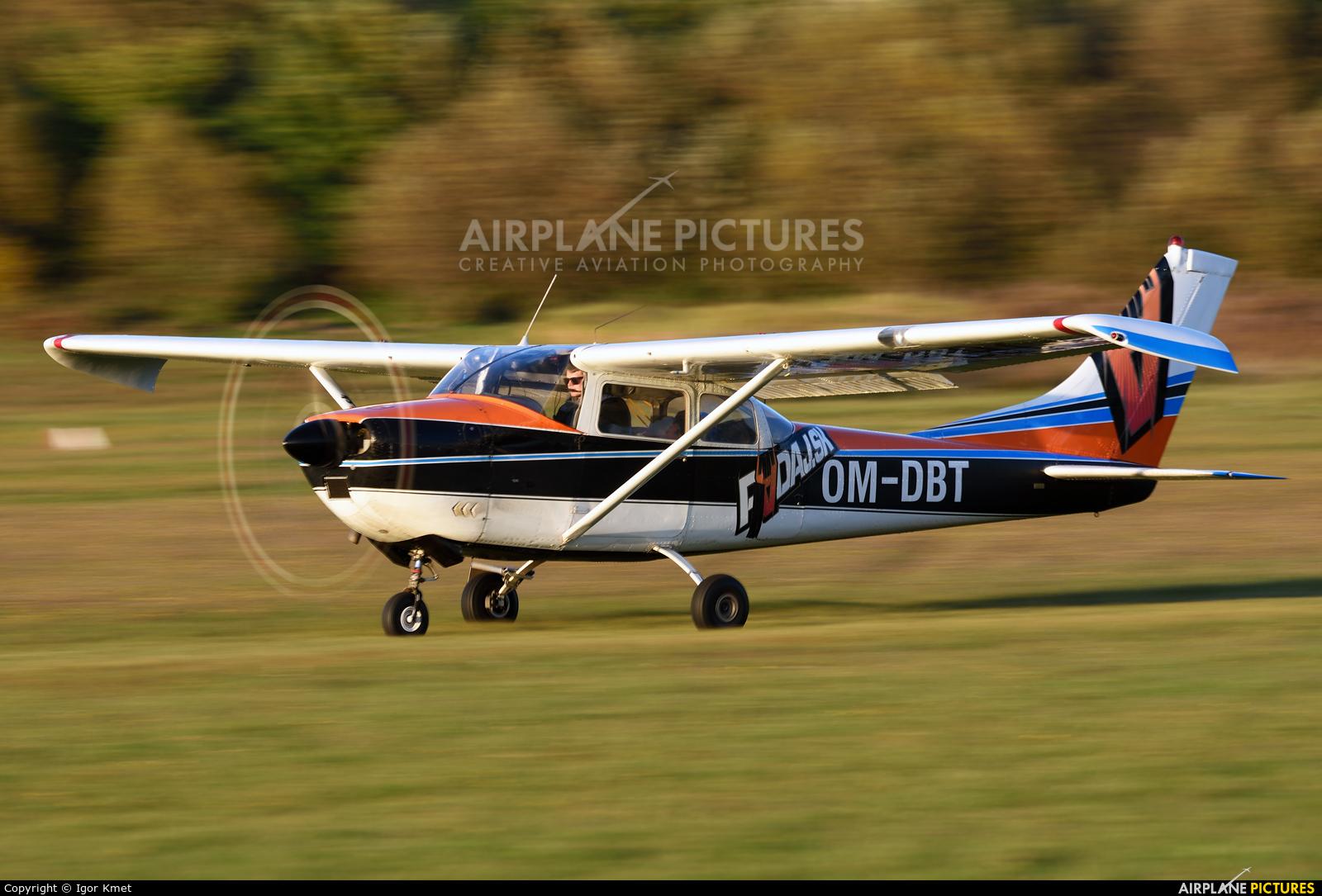 Slovensky Narodny Aeroklub OM-DBT aircraft at Očová