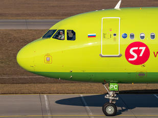 VP-BPC - S7 Airlines Airbus A321