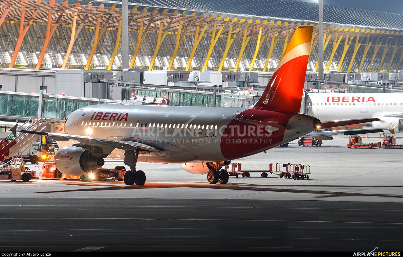 Iberia EC-JXJ aircraft at Madrid - Barajas