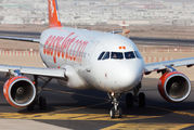 G-EZWW - easyJet Airbus A320 aircraft