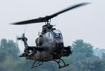 786-255 - Pakistan - Army Bell AH-1F Cobra