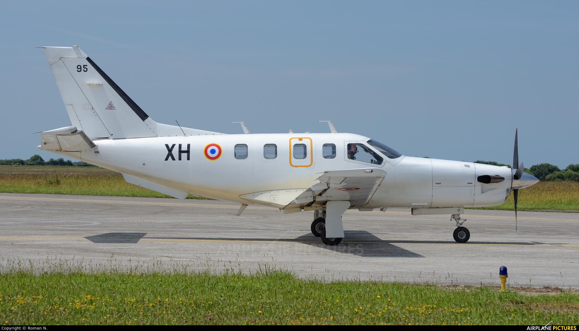 France - Air Force 95 aircraft at Landivisiau