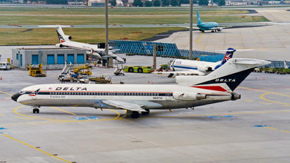 N8873Z - Delta Air Lines Boeing 727-200