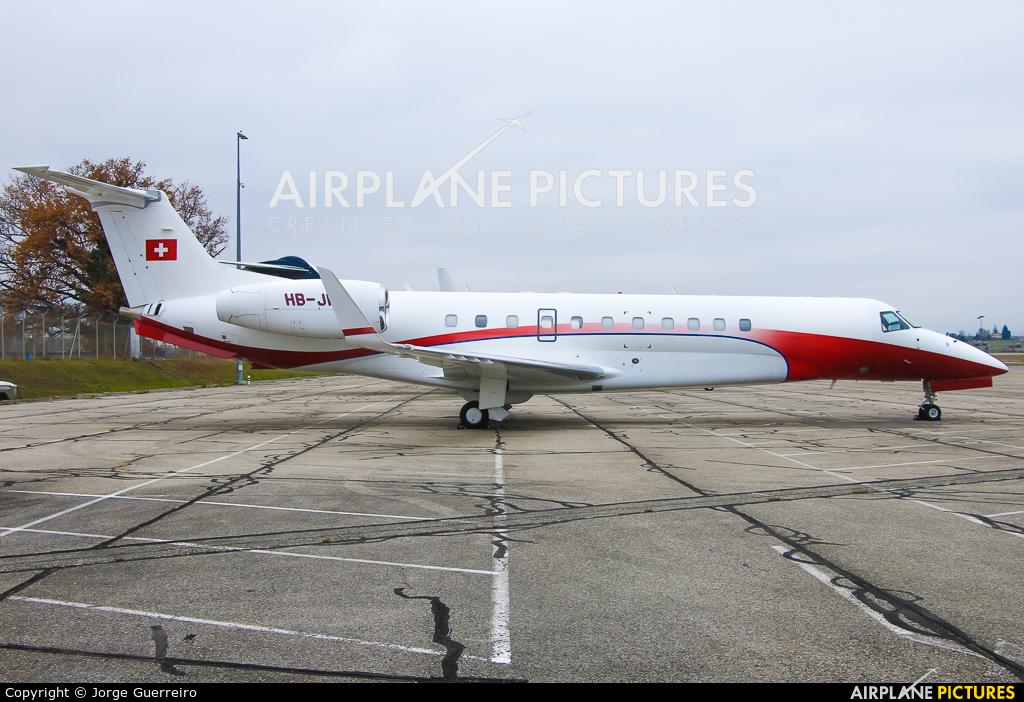 Nomad Aviation HB-JFL aircraft at Geneva Intl