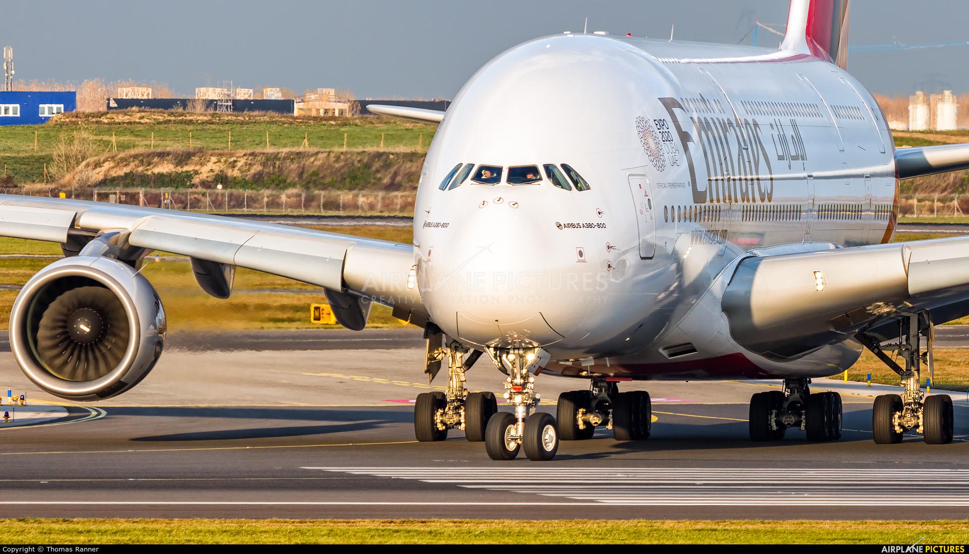 Emirates Airlines A6-EOZ aircraft at Vienna - Schwechat