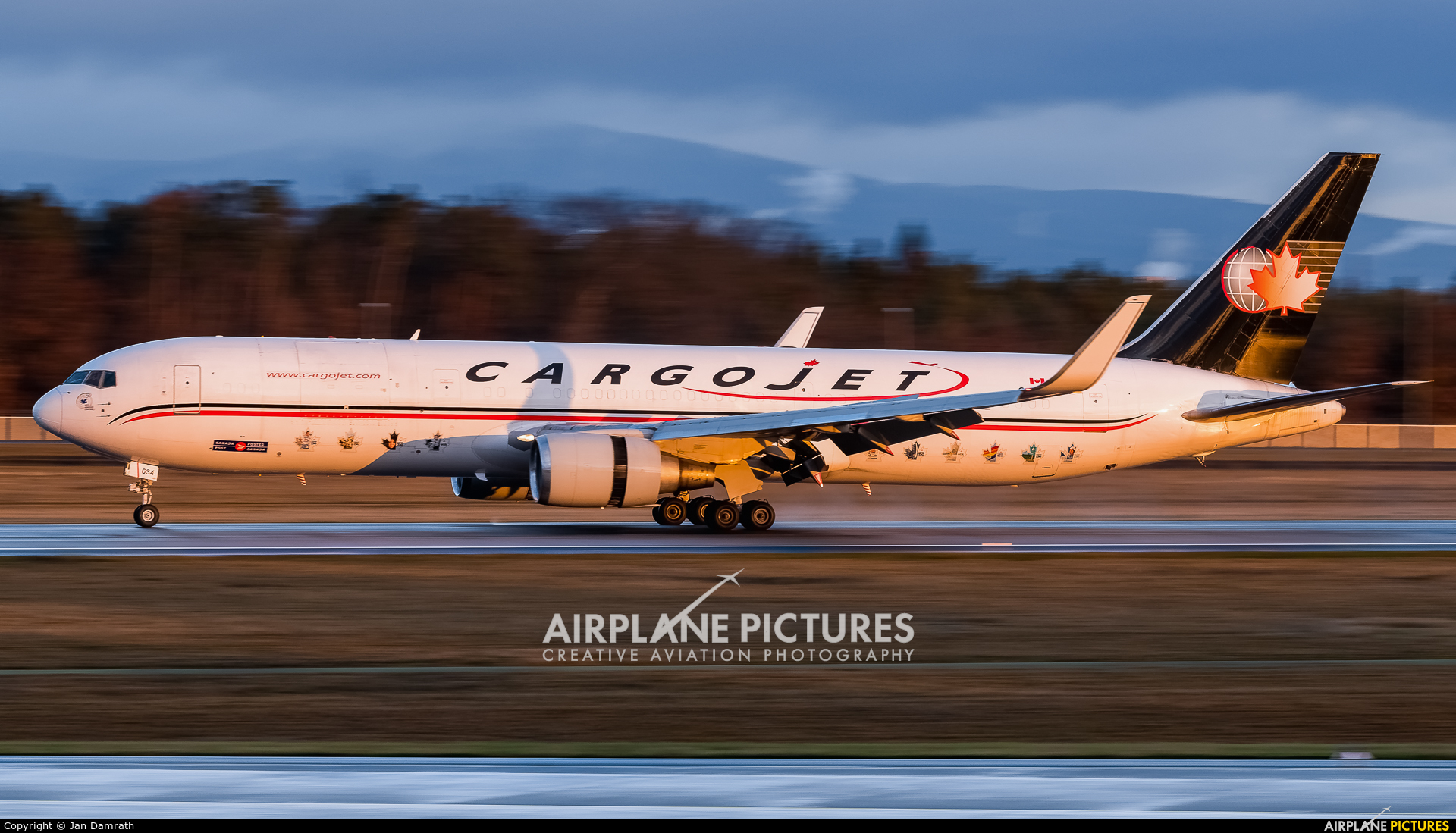 Cargojet Airways C-FGSJ aircraft at Frankfurt