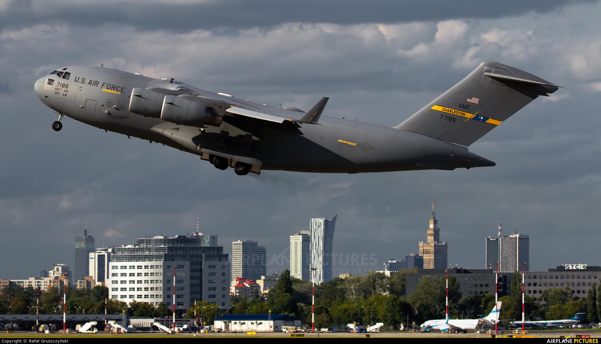 USA - Air Force 07-7186 aircraft at Warsaw - Frederic Chopin