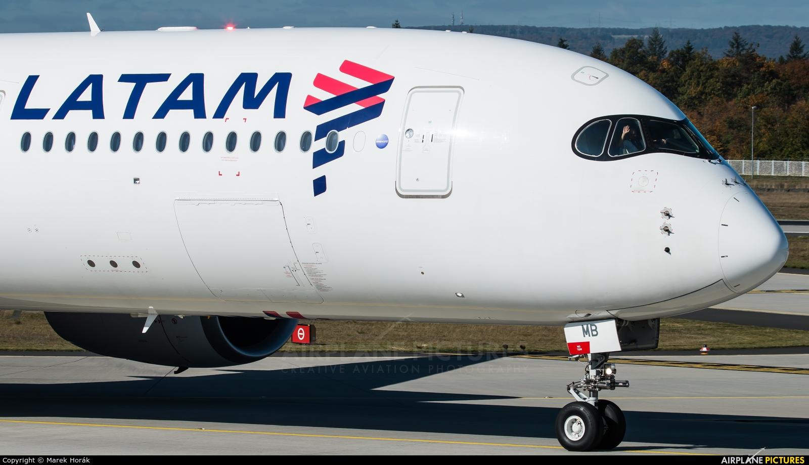 LATAM A7-AMB aircraft at Frankfurt