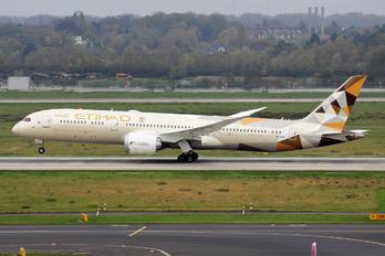 A6-BLR - Etihad Airways Boeing 787-9 Dreamliner