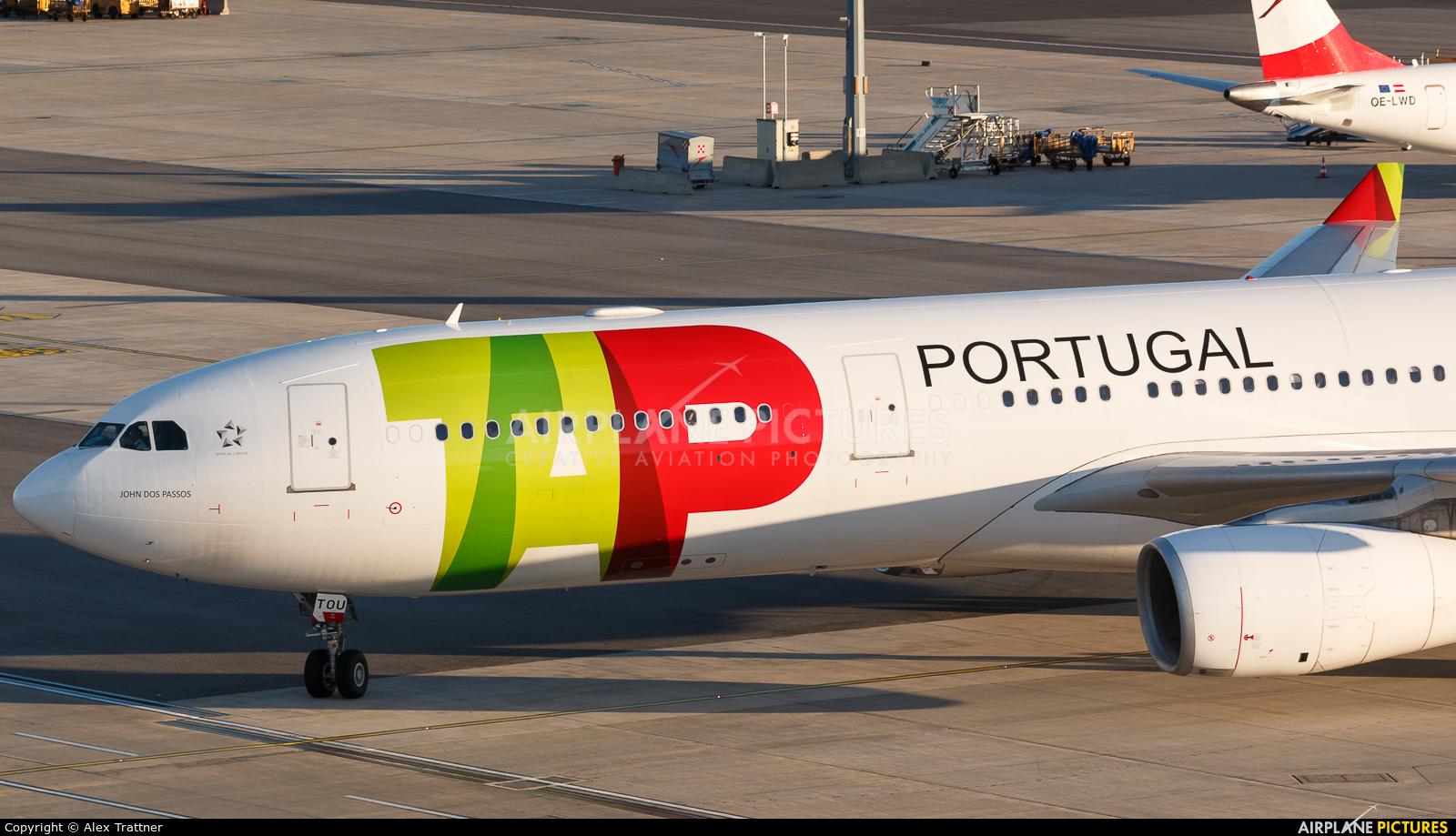 TAP Portugal CS-TOU aircraft at Vienna - Schwechat