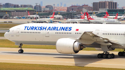TC-LJD - Turkish Airlines Boeing 777-300ER