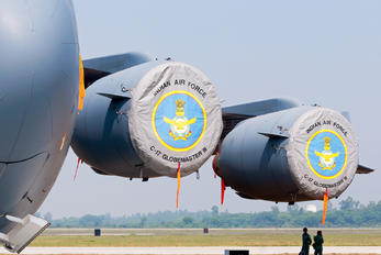 CB8006 - India - Air Force Boeing C-17A Globemaster III