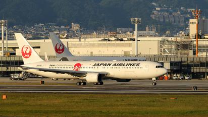 JA614J - JAL - Japan Airlines Boeing 767-300ER