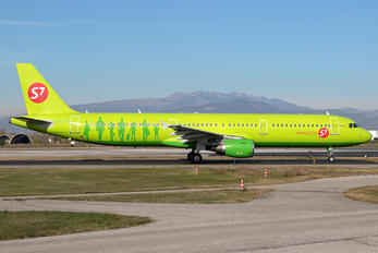 VQ-BQH - S7 Airlines Airbus A321