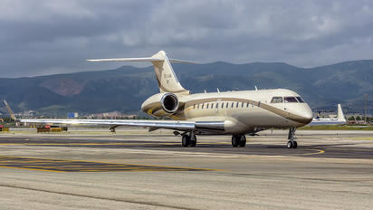 OE-LAA - MJet Aviation Bombardier BD-700 Global 5000