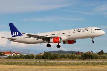 OY-KBK - SAS - Scandinavian Airlines Airbus A321