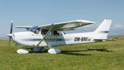 OM-BRI - Private Cessna 172 Skyhawk (all models except RG)