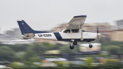 SP-COM - Aeroclub Warsaw Cessna 172 Skyhawk (all models except RG)