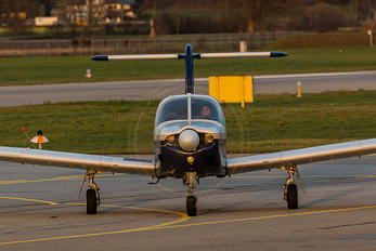 D-EIHY - FFH Flight Training Piper PA-28 Arrow