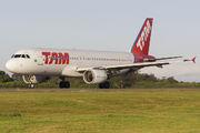 PR-MHG - TAM Airbus A320 aircraft