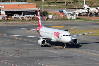 PT-TMA - TAM Airbus A319