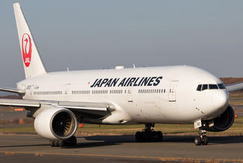 JA007D - JAL - Japan Airlines Boeing 777-200