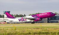 HA-LYV - Wizz Air Airbus A320 aircraft