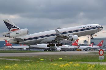 N806DE - Delta Air Lines McDonnell Douglas MD-11