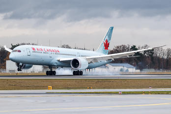 C-FRSE - Air Canada Boeing 787-9 Dreamliner