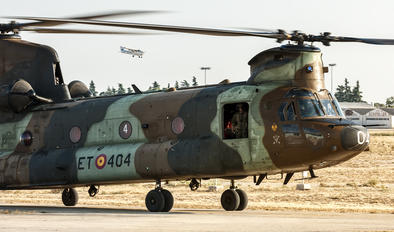 HT.17-04 - Spain - Air Force Boeing CH-47SD Chinook