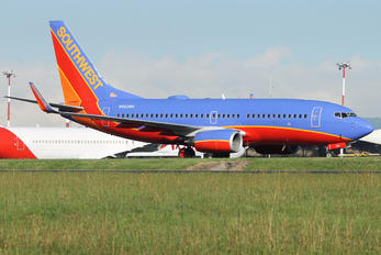 N562WN - Southwest Airlines Boeing 737-700