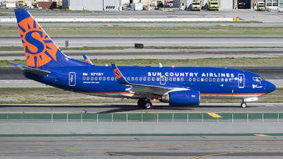 N711SY - Sun Country Airlines Boeing 737-700