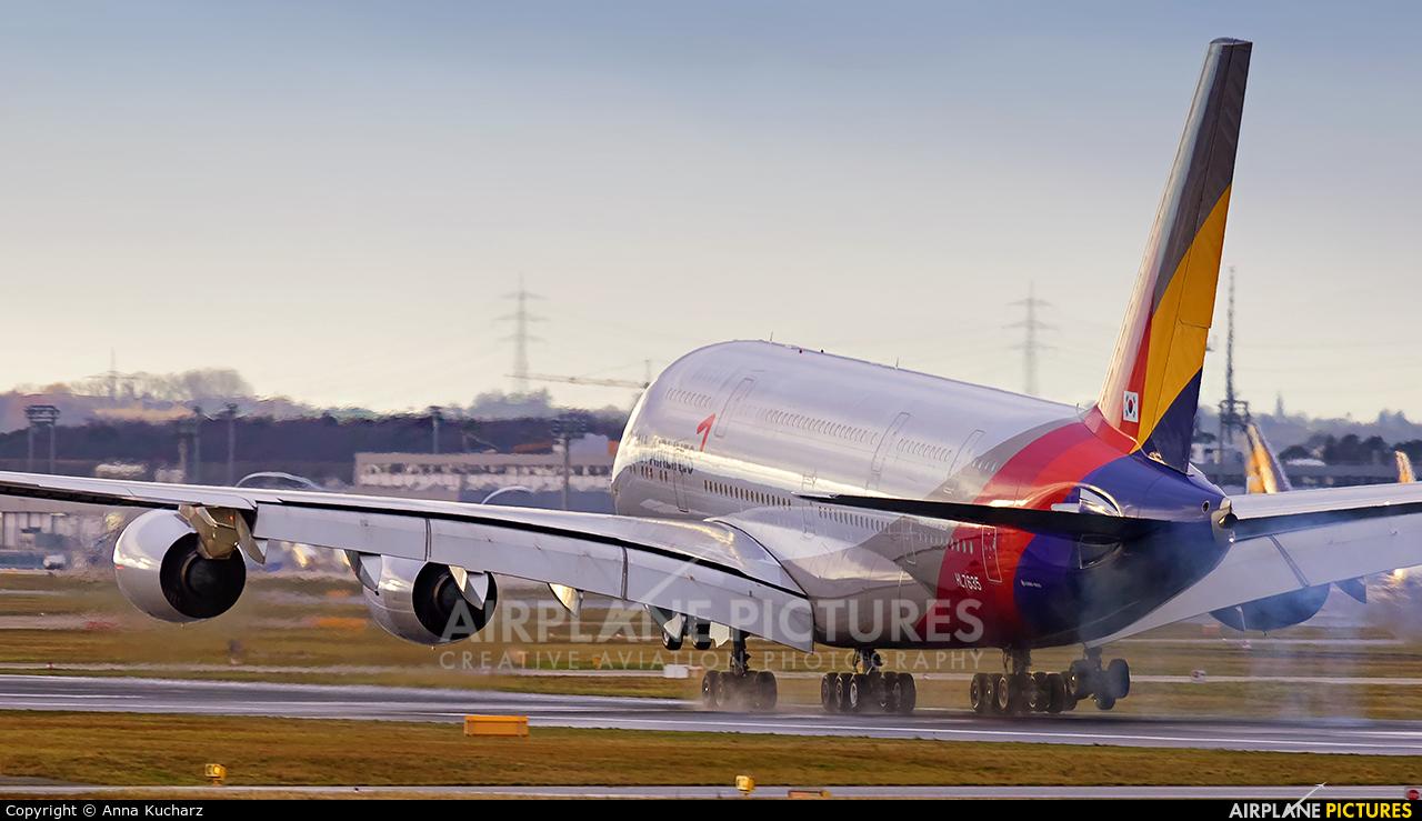 Asiana Airlines HL7635 aircraft at Frankfurt
