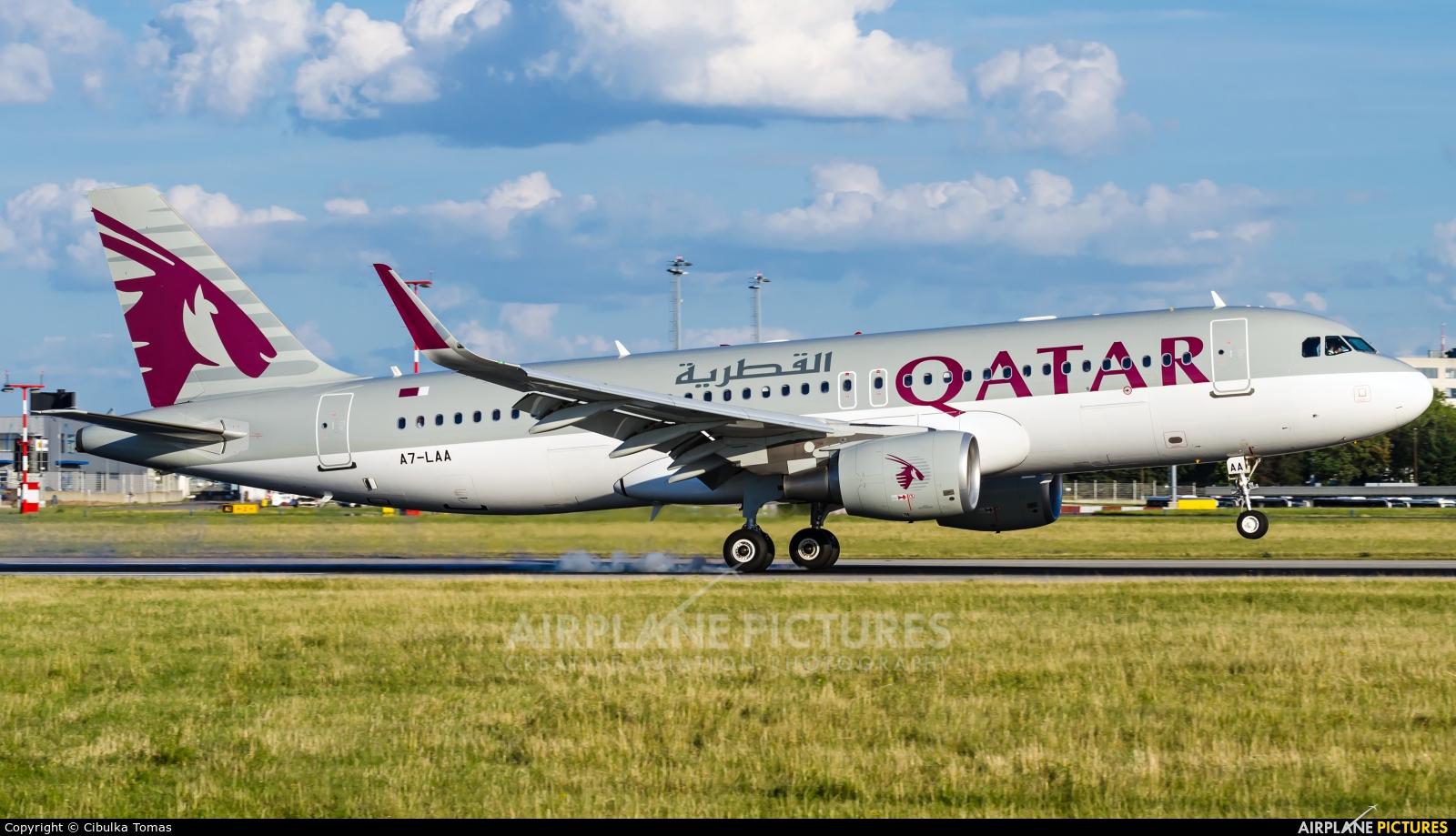 Qatar Airways A7-LAA aircraft at Prague - Václav Havel