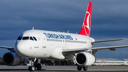 TC-JLR - Turkish Airlines Airbus A319