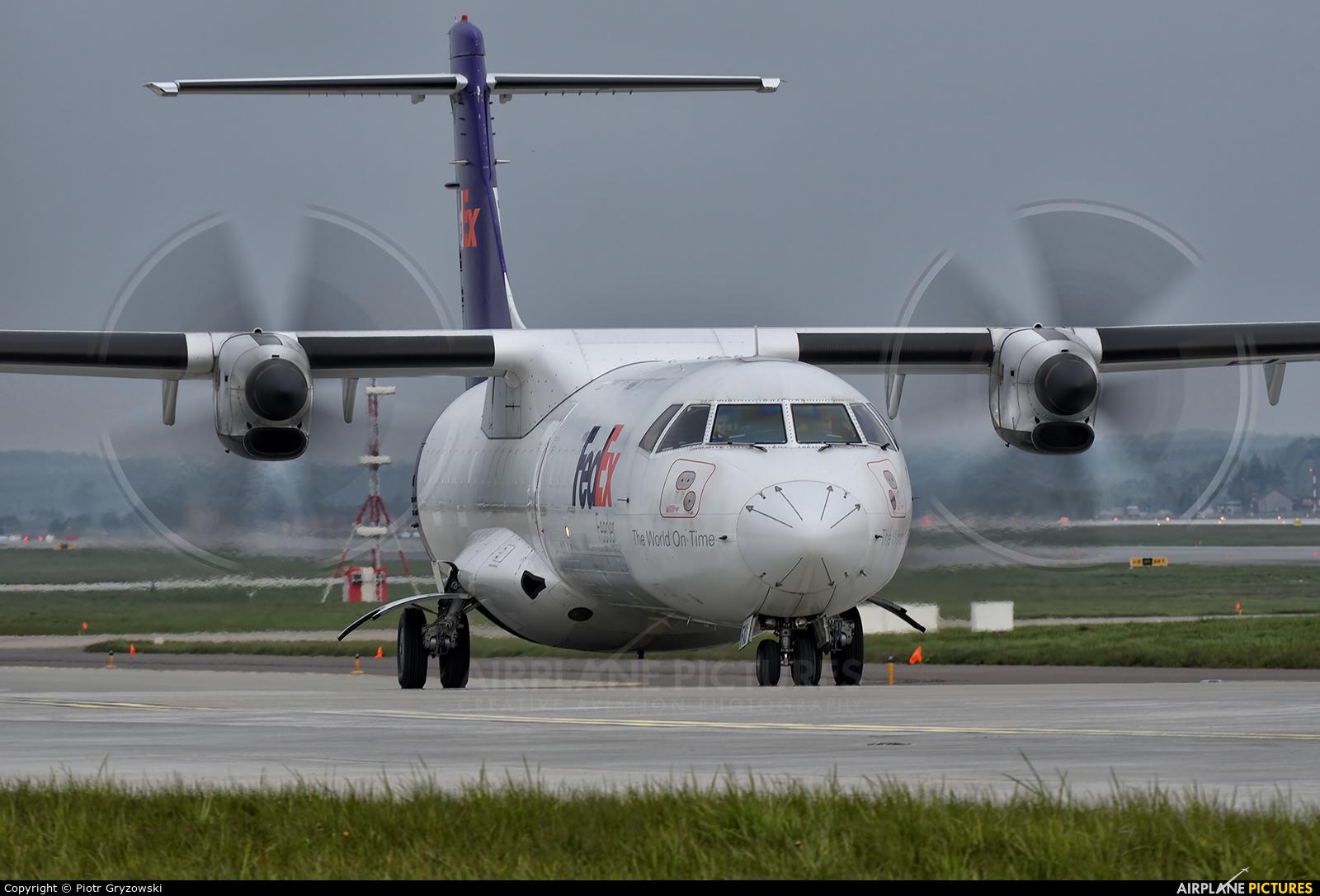 FedEx Feeder EI-FXI aircraft at Katowice - Pyrzowice