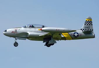 N133HH - Private Canadair CT-133 Silver Star 3