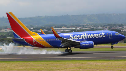 N425LV - Southwest Airlines Boeing 737-700