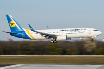 UR-PSY - Ukraine International Airlines Boeing 737-800