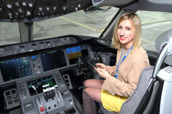 SP-LRH - - Aviation Glamour - Aviation Glamour - People, Pilot