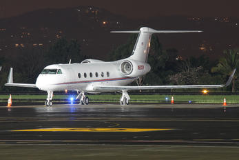 N82CW - Private Gulfstream Aerospace G-IV,  G-IV-SP, G-IV-X, G300, G350, G400, G450