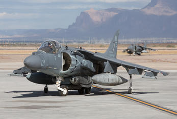 165001 - USA - Marine Corps McDonnell Douglas EAV-8B Harrier II