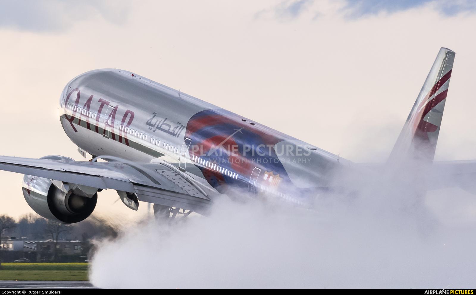 Qatar Airways A7-BAE aircraft at Amsterdam - Schiphol