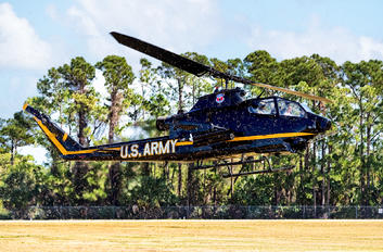 N12583 - USA - Army Bell AH-1E Cobra