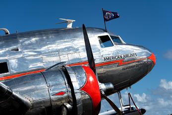 NC17334 - Private Douglas DC-3
