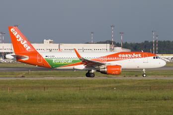 G-EZPD - easyJet Airbus A320