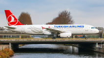 TC-JPT - Turkish Airlines Airbus A320 aircraft