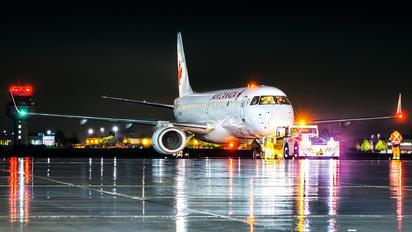 C-FHNW - Air Canada Embraer ERJ-190 (190-100)